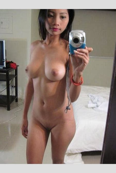 Amazing Asian chick naked for a sexy selfie. HotMirrorPics.com