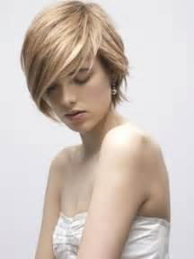 essayer une coupe de cheveux coupe de cheveux pour amincir le visage dune femme design bild