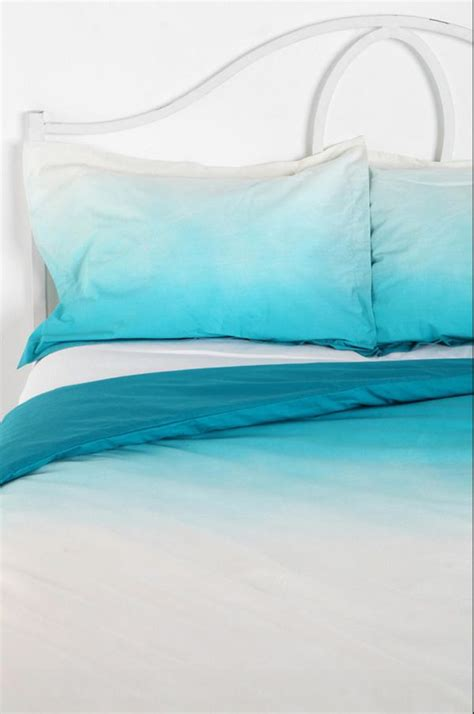Magical Thinking Bedding by Use The Ombre Technique To Create Stunning And Colorful