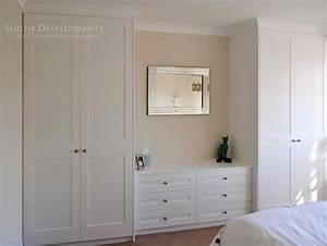 Shaker style fitted wardrobes & chest of drawers ...