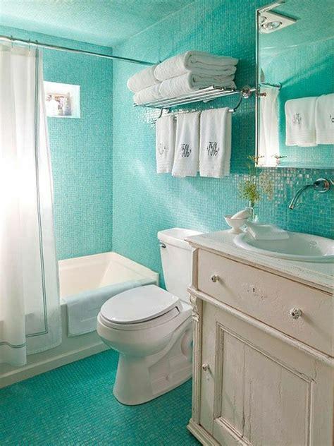 Kleines Badezimmer Fliesen Farbe by Kleines Badezimmer Mit Fliesen In T 252 Rkis Farbe Und Wei 223 Em