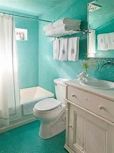 Bad In Türkis : kleines badezimmer mit fliesen in t rkis farbe und wei em ~ Sanjose-hotels-ca.com Haus und Dekorationen