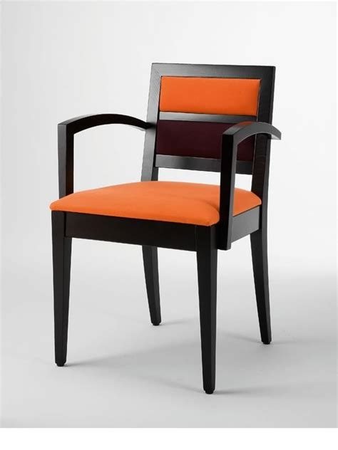 chaises b b linea b pour bars et restaurants chaise en bois avec