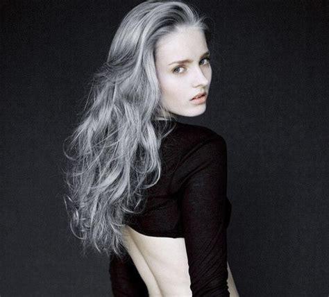 grau gefärbte haare haare wei 223 silber f 228 rben meinungen zum haare f rben grau silber silbergrau haare braun auf