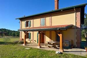 Aménagement Extérieur Maison : terrasses et pergolas construction de maisons en bois ~ Farleysfitness.com Idées de Décoration