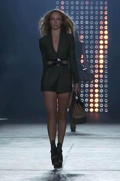 Versace Runway Walk Raquel Vogue Karen Zimmermann