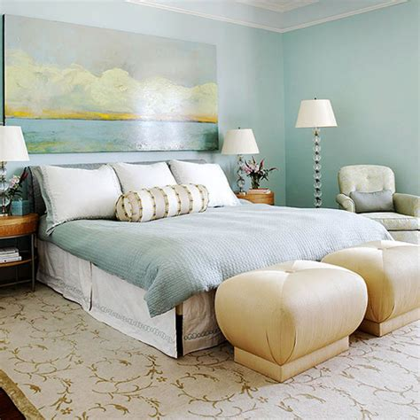 top  wall decorations   bed