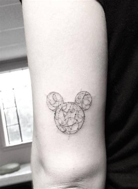 filigrane tattoos handgelenk 45 filigrane motive mit geometrischen formen