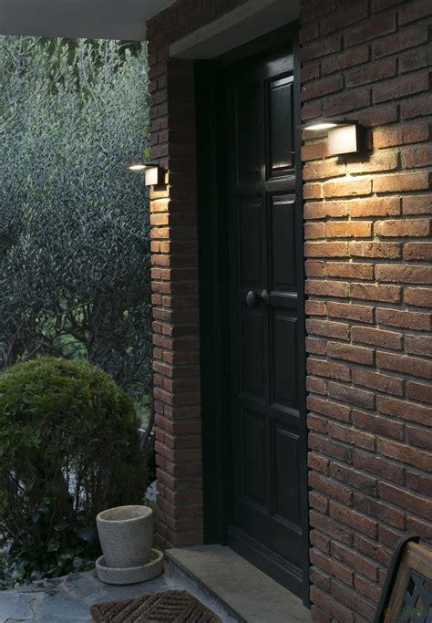 aplica de perete de exterior cu iluminat led moderna cu