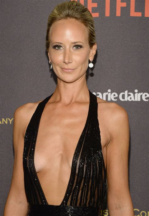 Lady Victoria Hervey Flashes Bum Cheeks And Gapboob At Golden Globes Party Daily Star