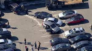 Accident Parking Sans Tiers Identifié : accident at newark parking lot damages six cars cbs new york ~ Medecine-chirurgie-esthetiques.com Avis de Voitures