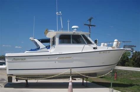 Types Of Pilot House Boats by 2002 27 Shamrock Mackinaw 270 Pilothouse For Sale In Fort