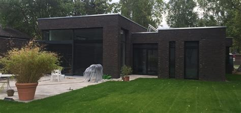 Moderne Häuser Schwarz by Moderner Bungalow Mit Keller Im Bauhausstil Massivhaus