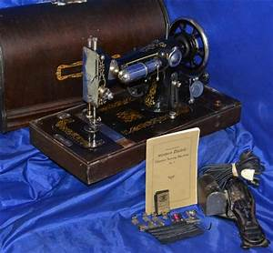 The Eldredge  U0026quot E U0026quot  Long Shuttle Sewing Machine