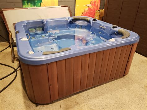 Used Tubs by Buy Used Tubs For Sale Best Prices Factoryhottubs Ca