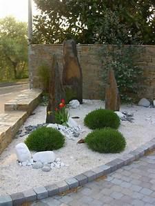 Decoration Massif Exterieur. deco jardin avec tige de bambou saint ...