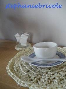 Set De Table Au Crochet : the serial crocheteuses 55 un set de table au crochet st phanie bricole ~ Melissatoandfro.com Idées de Décoration