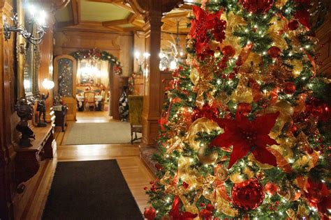 mansions decorated  christmas wikie cloud design ideas