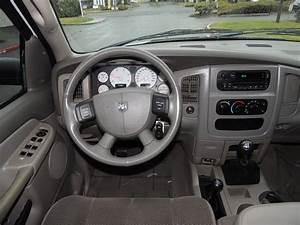 2005 Dodge Ram 2500 4x4    5 9 Cummins Diesel    6 Speed