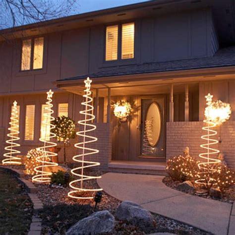Gartendeko Weihnachten Beleuchtet by Festliche Gartenbeleuchtung Zu Weihnachten