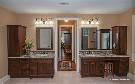 vanities  tons  storage   master