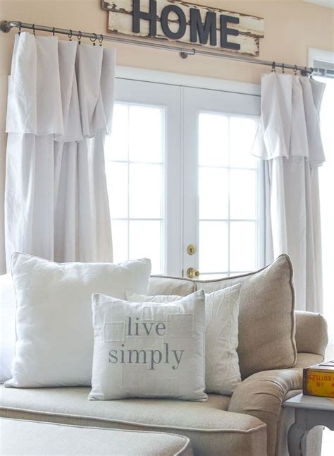 Do It Yourself Bedroom Decor by Decorating On A Budget Why Accessories Really Matter