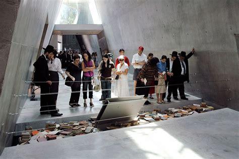 holocaust museum embracing ai   visitors draw