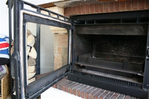 chambre foyer comment remplacer la vitre d un insert de cheminée