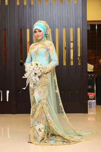 bingung memilih wedding dress  wanita berhijab