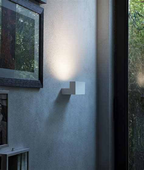 flos light a minimalist indirect wall light