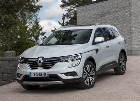The renault koleos is a compact crossover suv which was first presented as a concept car at the geneva motor show in 2000, and then again in 2006 at the paris motor show, by the french manufacturer renault. Nieuwe Renault Koleos 2019 uitvoeringen en occasions ...