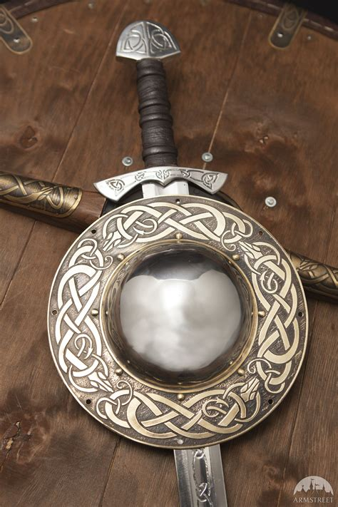 viking shield boss serpent celtes viking pinterest