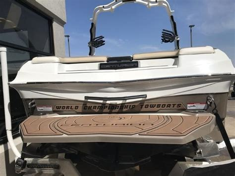 Wakeboard Boats For Sale Ri by Centurion Ri237 Ski And Wakeboard Boat Boats For Sale