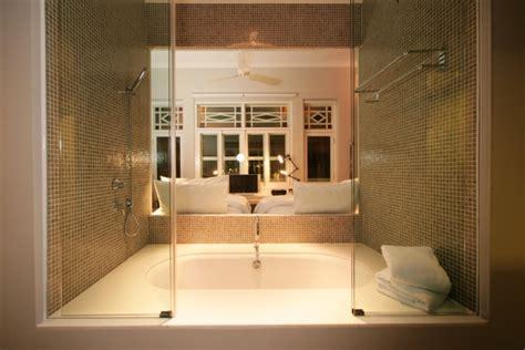salle de bain ouverte dans chambre avis hotel majestic hotel singapour luxe vacances
