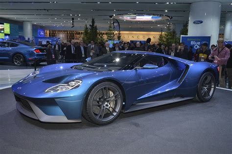 ford supercar under the hood the 2016 ford gt supercar features ford s