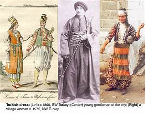 Sleeveless version of the coat on the left. From the text ...
