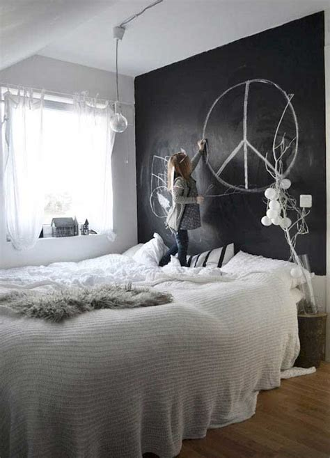 chalkboard paint ideas    personalize wall decor