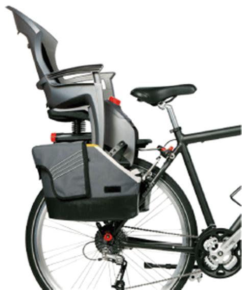 siège bébé remorque vélo porte bagages spécifiques sacoche vélo