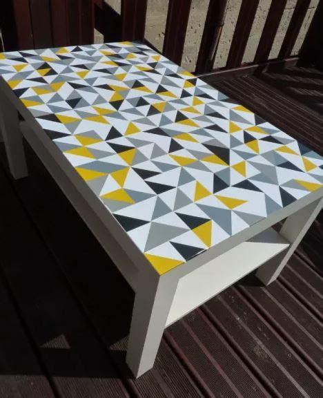 recouvrir du carrelage de cuisine idées diy 7 façons de customiser une table ikea lack