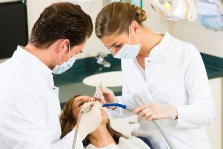 assistente alla poltrona bologna corso di assistente alla poltrona odontoiatrica