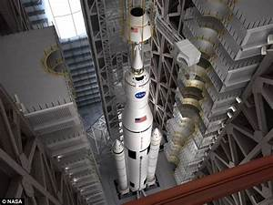 Nasa and Boeing sign $2.8bn deal to build rocket to take ...