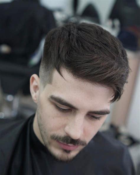 undercut männer anleitung frisuren f 252 r kurze haare undercut f 252 r m 228 nner schnurrbart und bart haarfrisuren in 2019