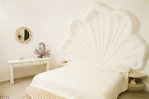 airbnbs seashell house hotel lies   mexican island