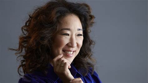 sandra oh history golden globes sandra oh makes golden globes history with killing eve