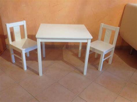 Mit Stühlen Gebraucht by Kindertisch Mit Zwei St 252 Hlen Ikea