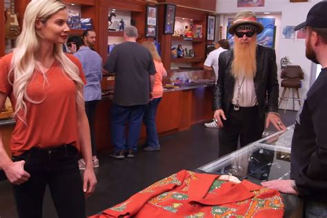 pawn stars reunites zz tops billy gibbons  lost