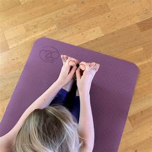 tapis de yoga 4mm evolution aubergine et gris yoga mad With tapis de yoga avec canapé super confortable