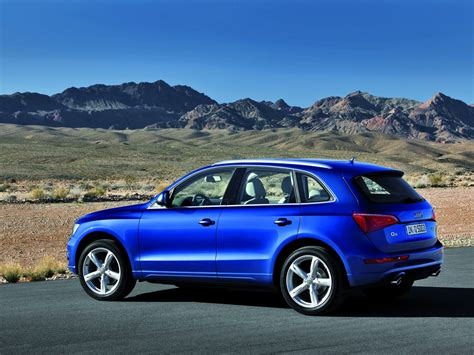 When it comes to comfort, style, and dynamics, the redesigned audi q5 is the new. 2009 Audi Q5 | Motor Desktop