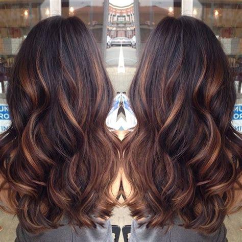dark brown hair with light brown tips golden caramel balayage 39 d lights on her dark brown hair