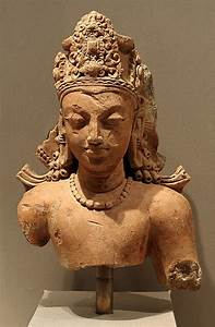 TERRACOTTA - Indian terracotta bust of the god Vishnu ...